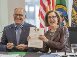Signing I-5 replacement agreement
